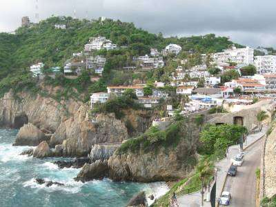 A path with heart: sand from acapulco
