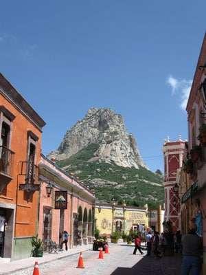 A path with heart: la peña de bernal