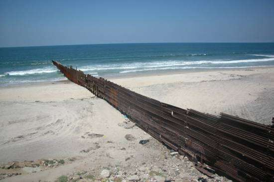 Tijuana blues: la resbaladera de playas