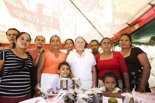 Mujeres nicaragüenses desafían la pobreza y el desempleo