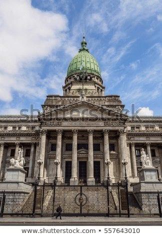 La división de poderes en argentina: el equilibrio perdido