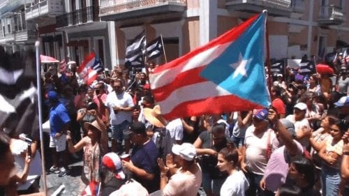 Pueblo en la calle pide renuncia de gobernador de puerto rico