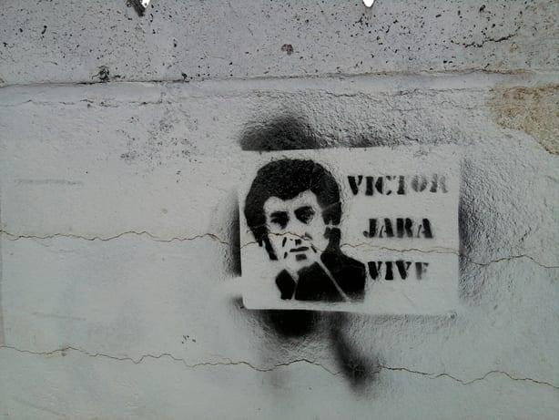 Víctor jara, el cantautor de la revolución, asesinado hace 46 años