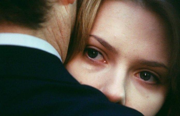 Hacer el amor con quien no se ama es unión sexual con desunión sensual