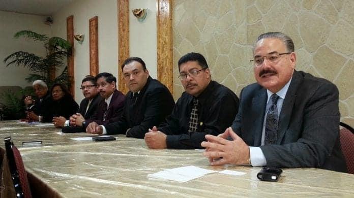 Evangélicos latinos - reunión de pastores