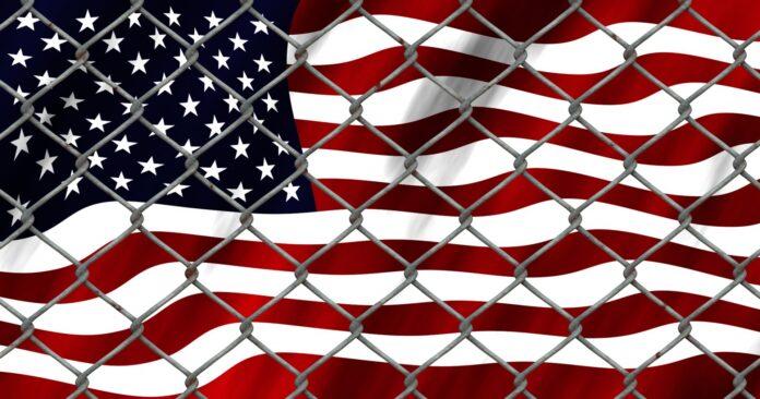 Crisis en la frontera frontera y bandera